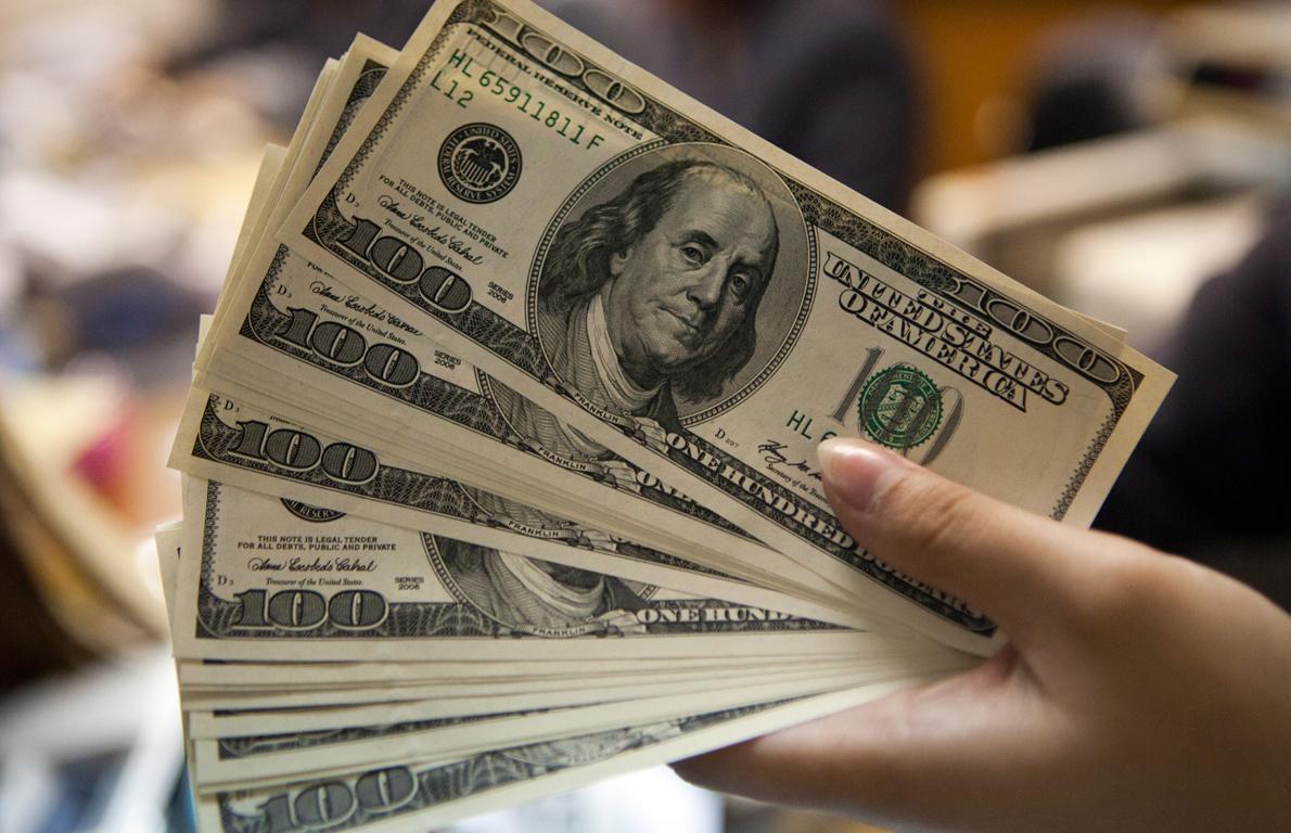 Sigue dólar sin bajar los 18 pesos en ventanillas - Revista Líder ...