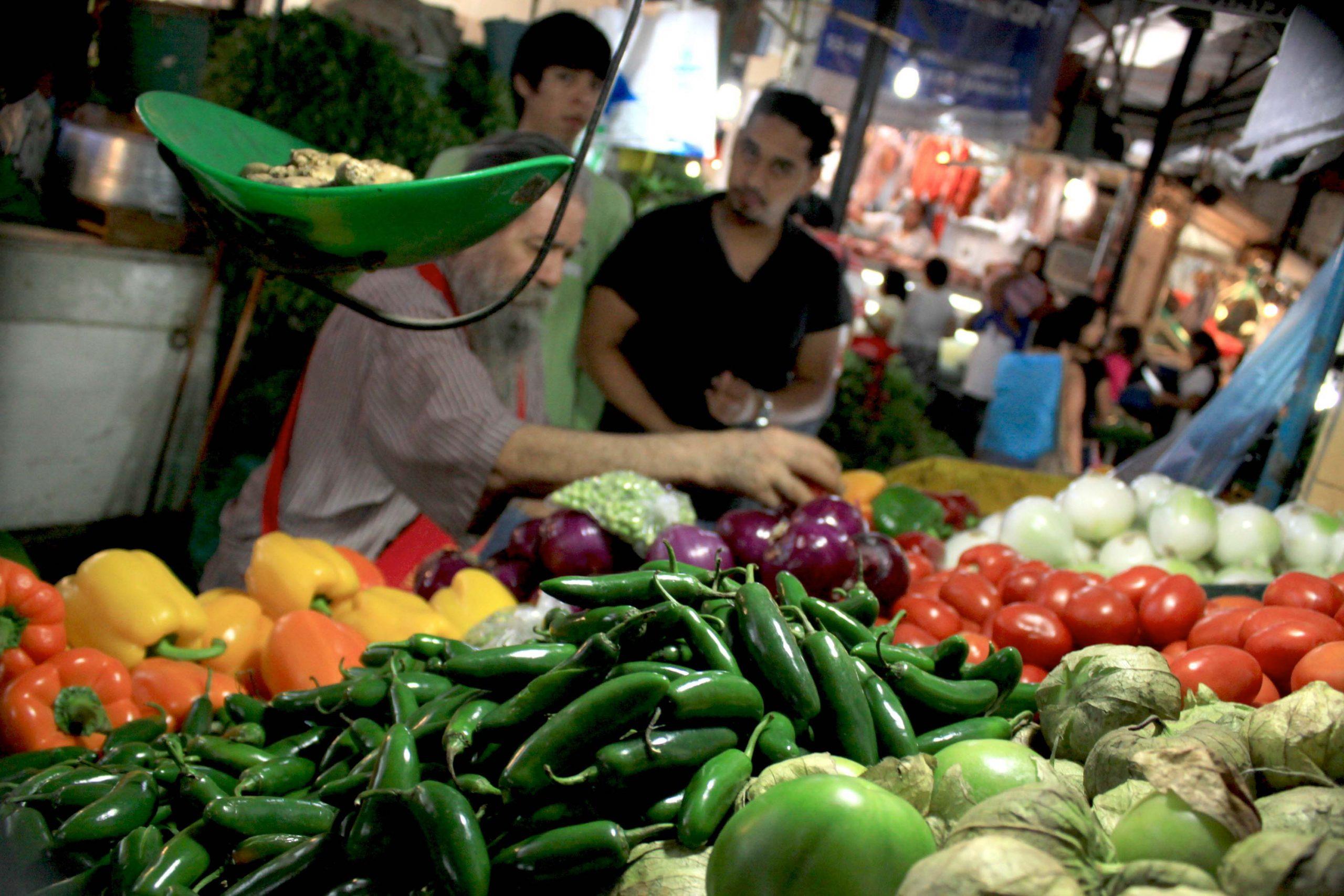Sube índice de precios de los alimentos por primera vez en el año, reporta la FAO